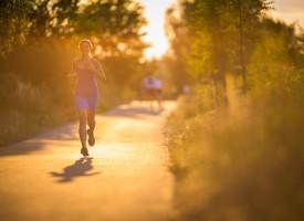 Hacer deporte y comer sano mejora la productividad laboral