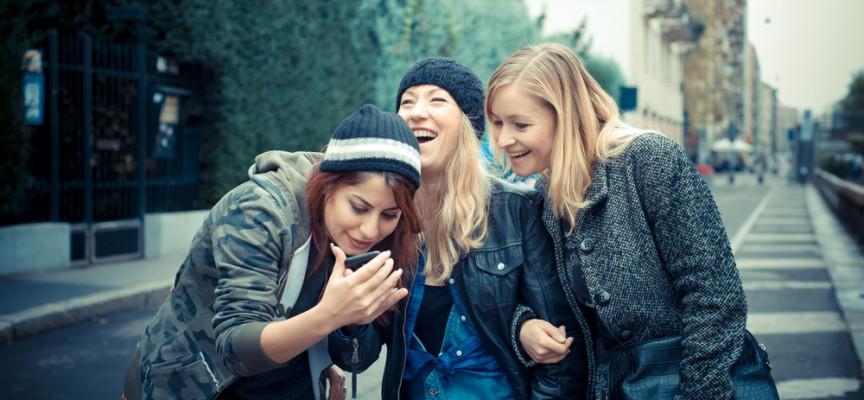 Las redes sociales contagian la felicidad