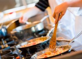 Cocinar, evita los riesgos de la contaminación cruzada