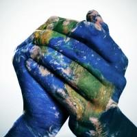 Ébola: Un minuto, 140 caracteres de solidaridad