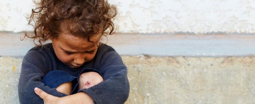 """""""Los niños de la recesión"""": en España 2,7 millones de niños se encuentran en riesgo de exclusión social"""