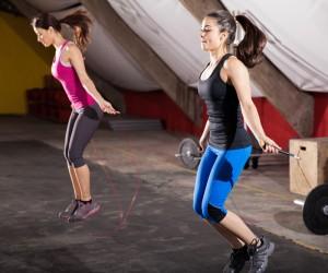 Saltar a la comba, un juego de niñas para estar en forma
