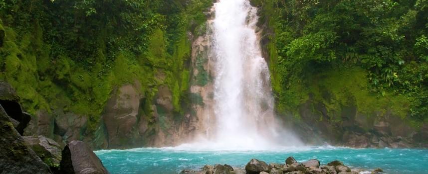 Beber agua, una preocupación de los viajeros