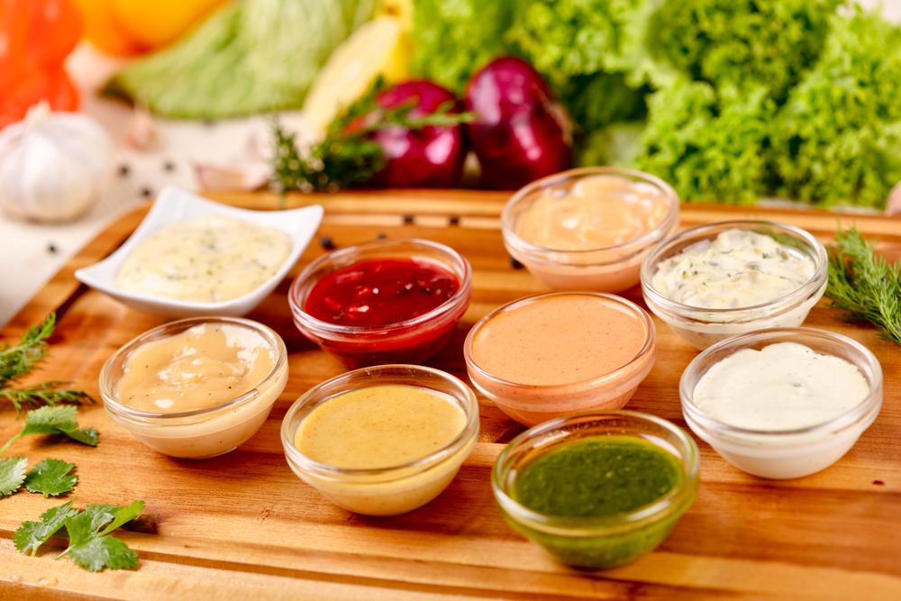 Las salsas con más y menos calorías