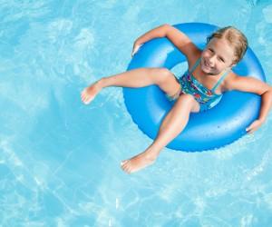Consejos de los pediatras para los baños veraniegos