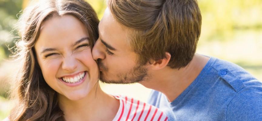 Besos, cuál es su origen y por qué nos gustan tanto