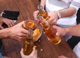 Cerca del 40% de los alumnos universitarios podrían ser bebedores de riesgo