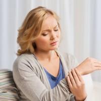 Una exposición para concienciar sobre la Artritis Reumatoide